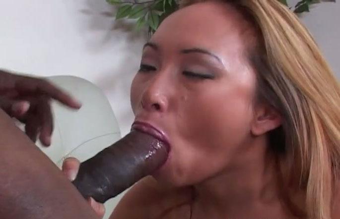shorts Asian maid deepthroat