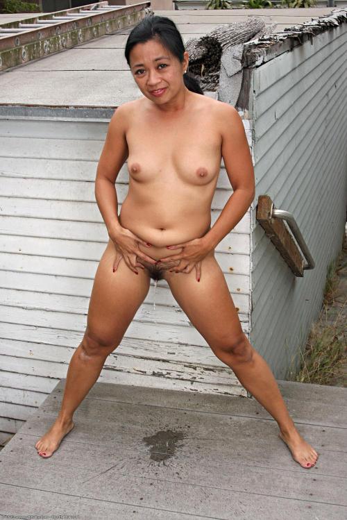Hot Nude Cum housewife panties asian