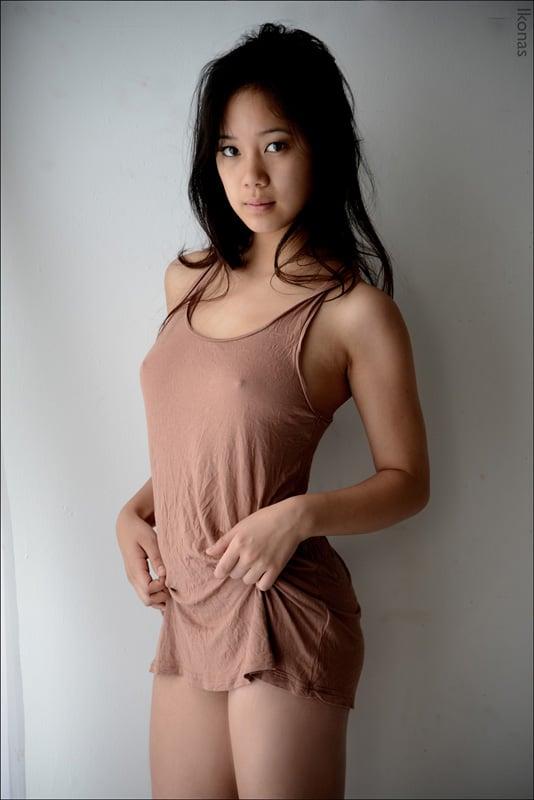 models Chinese women bikini